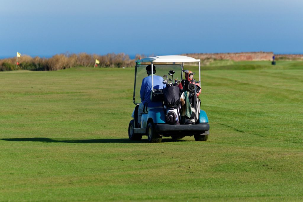 Hitting the Links in Ireland This Year? How Not to Stand Out from the Crowd